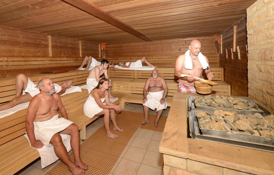 deichwelle neuwied finnische sauna. Black Bedroom Furniture Sets. Home Design Ideas